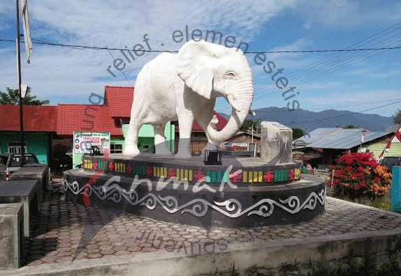 patung-gajah-putih