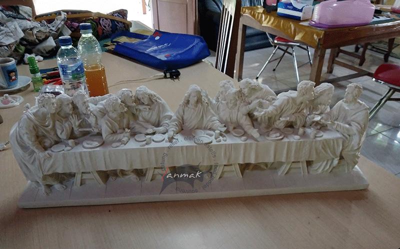 patung-relief-perjamuan-terakhir