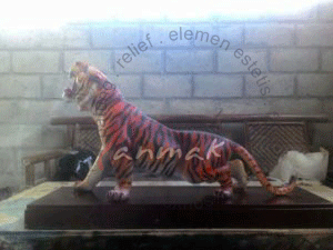 patung-macan-loreng