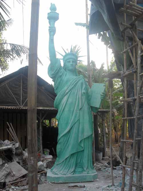 patung-liberty-fiber
