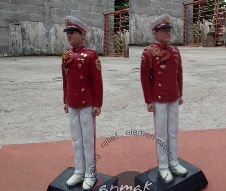 patung souvenir akpol